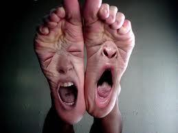 Porque se hincha el pie despues de una fractura de tibia